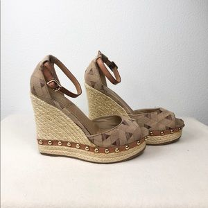 ALDO Wedge Size 7.5